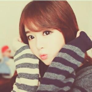 Model Kim Shin Yeong 1