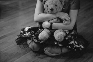 cry-girl-sad-tears-teddy-bear-Favim.com-115022_large